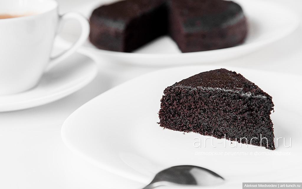 чёрный шоколадный бисквит
