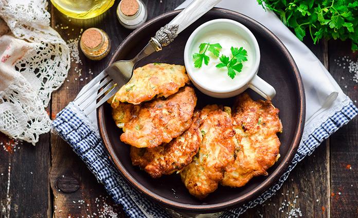 Куриные оладьи с беконом