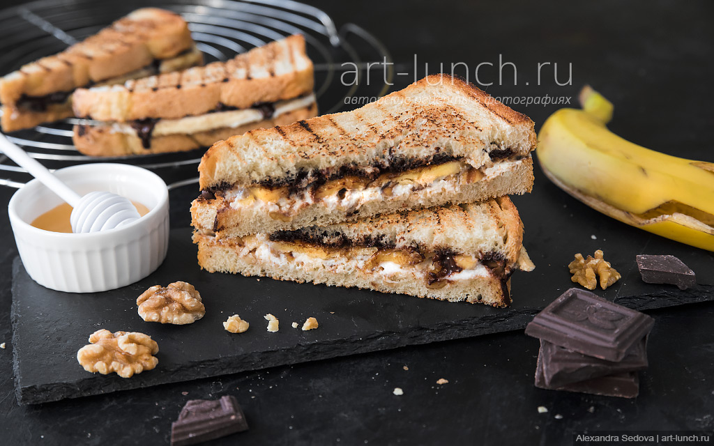 Сэндвич с рикоттой, бананом и шоколадом - пошаговый рецепт с фото