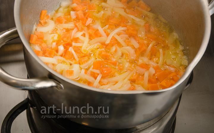 Суп-пюре из чечевицы Мерджимек чорбасы - пошаговый рецепт с фото