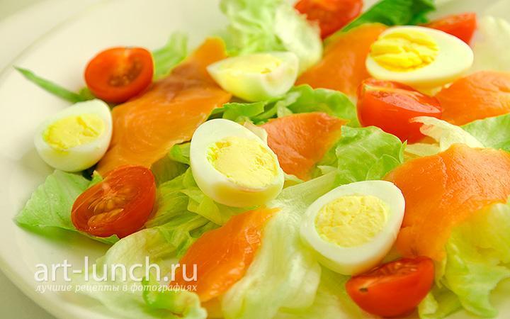 Салат из сёмги с перепелиными яйцами - пошаговый рецепт с фото