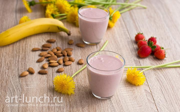 Бананово-клубничный смузи пошаговый рецепт с фото